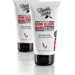 Velvet hand cream. Enriched with 5 natural active ingredients such as organic Honey Provence extract. Red almond