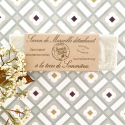 Soap stain removing : terre de Sommieres